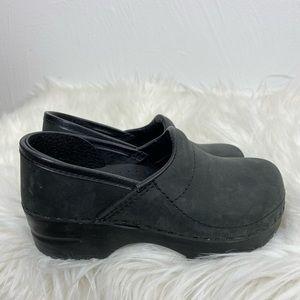 Dansko Girl's 29EU 12US Black Oiled Leather Clogs